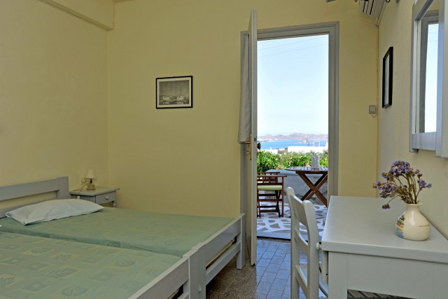 Galini, bedroom with terrace